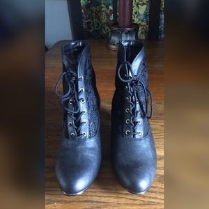 Very Volatile Shoes - Victorian Steampunk Kitty Heel Boot w/ Lace Insert